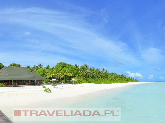 holiday-island-resort.jpg