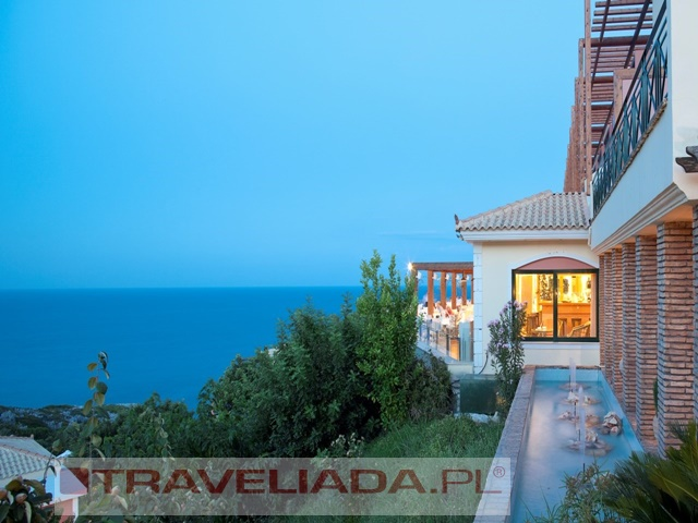 apostolata-island-resort.jpg