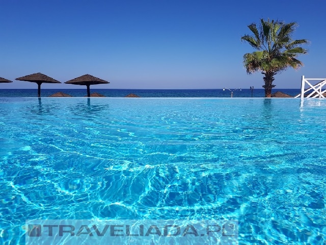 la-hotel-resort-kyrenia.jpg