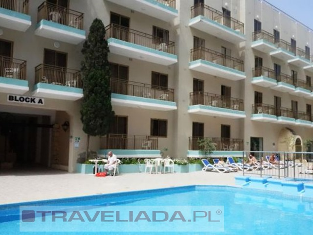 blue-sea-bugibba-hotel-apartments_12.jpg